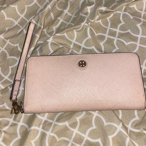 Tory Burch wristlet/wallet. Light pink. Used.